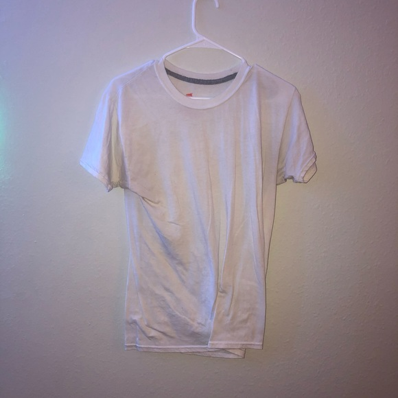 Hanes Other - White hanes shirt